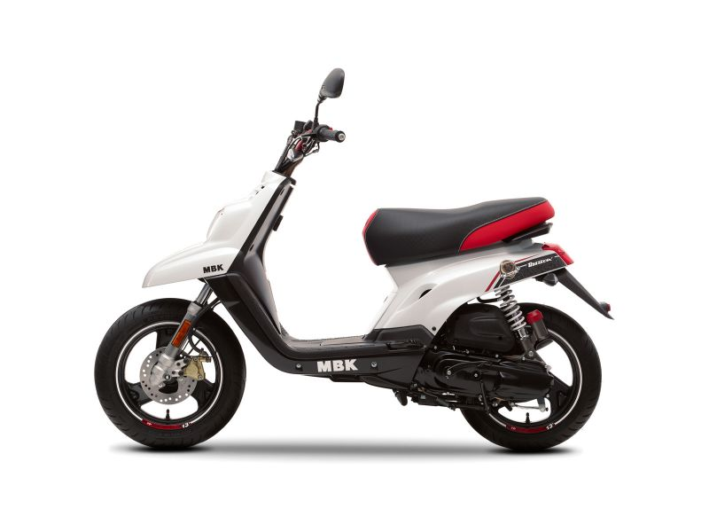 Scooter neuf MBK BOOSTER NAKED 12 pouces BCD. - vente