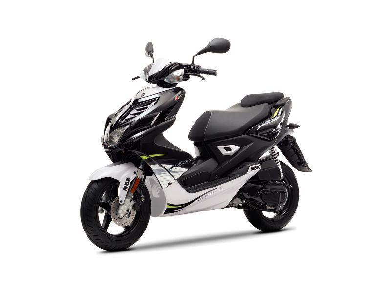 Scooter neuf MBK BOOSTER SPIRIT NAKED 10 pouces 50cc. - L