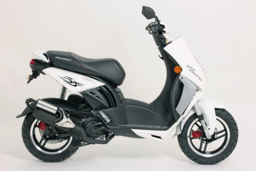 scooter neuf peugeot ludix blaster 50cc vente scooter la seyne sur mer toulon l 39 atelier du. Black Bedroom Furniture Sets. Home Design Ideas
