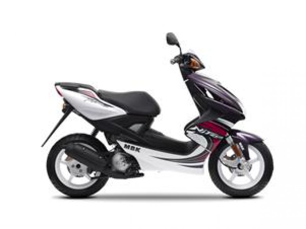 scooter neuf mbk nitro 50cc vente scooter la seyne sur. Black Bedroom Furniture Sets. Home Design Ideas