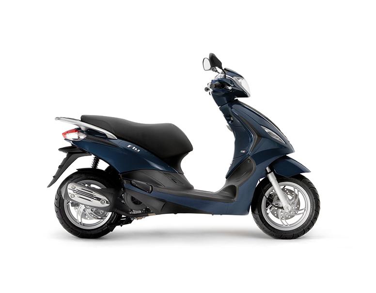 scooter neuf piaggio fly 125 125 3v vente scooter la seyne sur mer toulon l 39 atelier du scoot. Black Bedroom Furniture Sets. Home Design Ideas